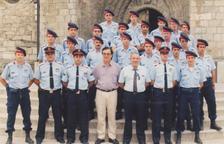Imagen del primer despliegue de los Mossos en Vielha junto al alcalde Josep Calbetó y JM. Cardona.