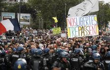 Cuarto sábado de protestas en Francia por el visado sanitario