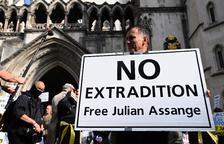 EUA dubta de la malaltia d'Assange i vol l'extradició