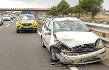 Mor un motorista en una sortida de via a la C-13 a Castell de Mur