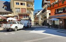 Les renueva los servicios de la calle Carrèra