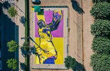 Así es la pista de básquet de Balaguer pintada en honor a Kobe Bryant