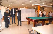 Golmés inaugura un centro de servicios para la tercera edad