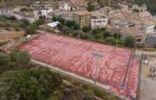 Repararán la pista deportiva de Biosca tras sufrir hundimientos