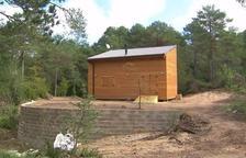Un cargo del PSC se monta una casa junto a una zona protegida