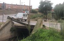 El puente que se sustituirá para dar mas cauce a La Femosa.