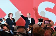 El socialdemòcrata Olaf Scholz, guanyador dels comicis, ja ha iniciat contactes amb verds i liberals.