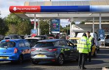 El Regne Unit posa en alerta l'Exèrcit per la falta de combustibles