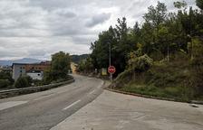 El Pont construye un muro de contención en uno de los accesos