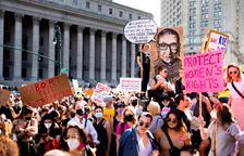 Miles de mujeres marchan en EEUU para defender el derecho al aborto