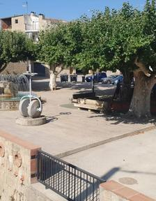 Posada en servei de la zona camí Trilla amb sanejament i aigua potable i la plaça dels Arbres afectada per les riuades.