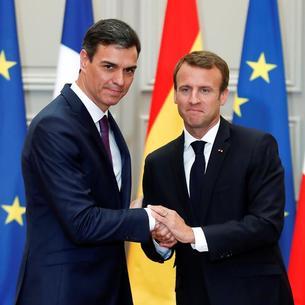 Pedro Sánchez y Emmanuel Macron durante la rueda de prensa tras su reunión en el Palacio del Elíseo.