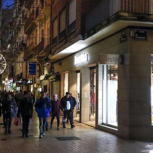 La majoria dels comerços de l'Eix va obrir diumenge passat, que era festiu d'obertura.