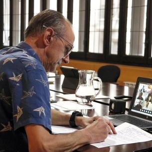 """Pueyo respon les crítiques de """"falta de lideratge"""" dient que ha estat """"visible i present"""" des de l'inici de la crisi"""