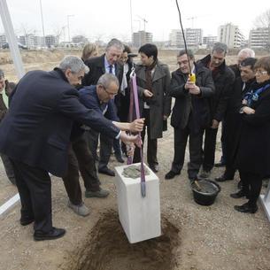 La primera piedra del geriátrico fue colocada el 9 de marzo de 2011.