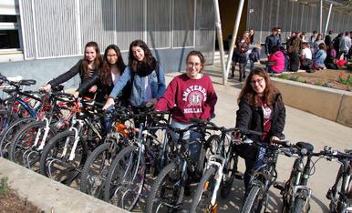Los estudiantes se apuntan a la bici