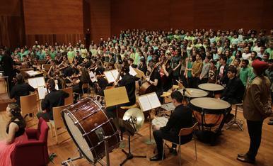 Granados llena el Auditori con 350 jóvenes voces