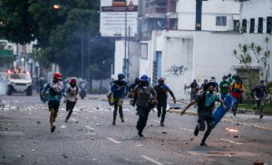 Tensió a Caracas per la carta magna