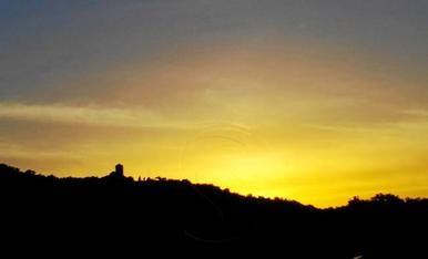 El matí del 27 de maig, quan marxàvem cap a Madrid a la final de Copa, poc després de les 6 del matí, el cel de Ponts pressagiava que guanyaríem.  L'esbòs del Castell de Sant Pere de Ponts s'endevina a l'horitzó.