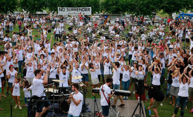 "1.004 música canten ""No Surrender"" de Bruce Springsteen"