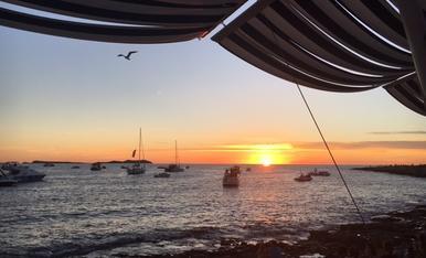 Fantastica posta de sol a Eivissa. Gran escapada d´amigues