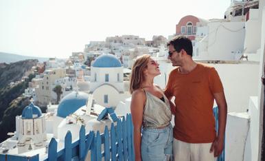 Mirades de felicitat a Oia, Santorini.