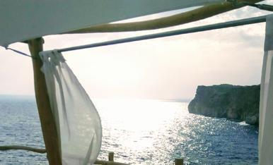 ...uns instants de desconexió... Cova d'en Xoroi (Menorca)