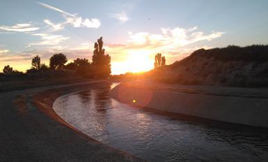 Posta de sol des del Canal d'Urgell