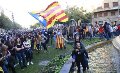 © Lleida surt al carrer per celebrar la República