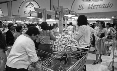 1986: Obre l'hipermercat més gran de Lleida, el Pryca
