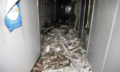 © Un incendi obliga a tancar el Tennis Urgell