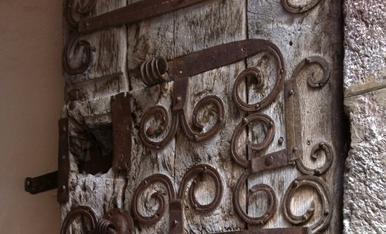 Magnifiques Portes carregades de detalls