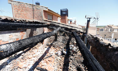Un incendi afecta dos cases a Menàrguens