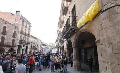 Borges inaugura la plaça 1 d'Octubre