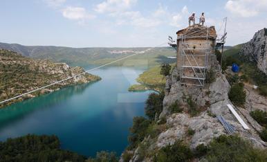Treballs verticals per a la restauració de l'ermita de la Pertusa, símbol de la Noguera