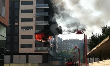 VÍDEO. Espectacular incendi en un edifici de Lleida