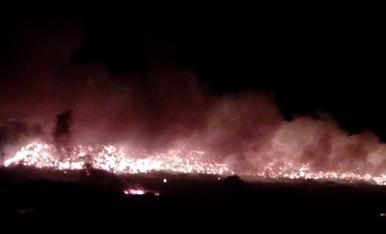 Incendi a l'abocador de Montoliu de Lleida