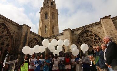 Homenatge a les víctimes del 17A des de la Seu Vella