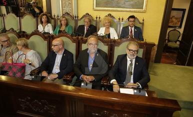 Imatges del ple d'investidura de Fèlix Larrosa