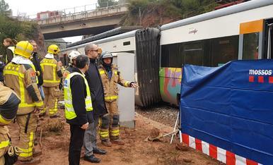 IMATGES. Descarrilament d'un tren de Rodalies a Vacarisses
