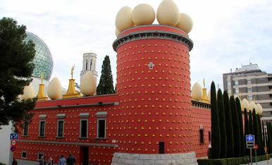 Teatre Museu Dalí ( Figueres )  Comentari. Torre Gorgot o Torre Galatea, residència de Salvador Dalí a Figueres.