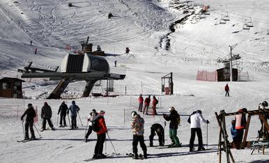 © Ganes d'esquí abans del pont