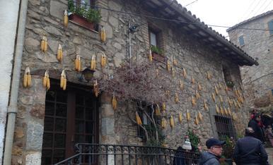 Vaig veure aquesta façana a Espinelves, per la fira de l'Avet d'aquest any.