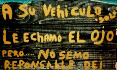 Curiós cartell a l'entrada d'un restaurant de Santo Domingo.