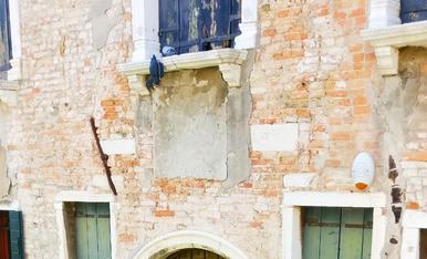 Façana en un carreró venecià