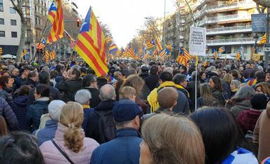 IMATGES. La manifestació contra el judici del procés a Barcelona