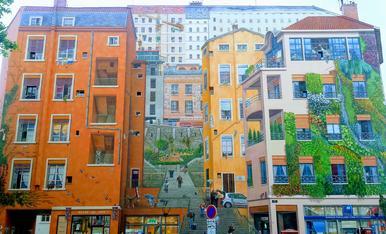 Original façana pintada, (mur des canuts) Lion, França