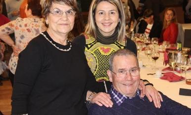Hola... Aquí sense dubte amb unes de les persones mes importants de la meva vida... El meu pare Antonio, increiblement fantastic... I com a no... Sempre acompanyat de la meva mare Marina, un regal del cel,i jo Marina Estrella Tarragó.