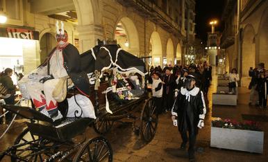 © I l'enterrament de la sardina diu adéu al Carnaval