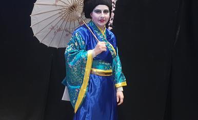 Dimats de carnaval em vaig disfras de Geisha al carnaval de Solsona,Magda Bach.